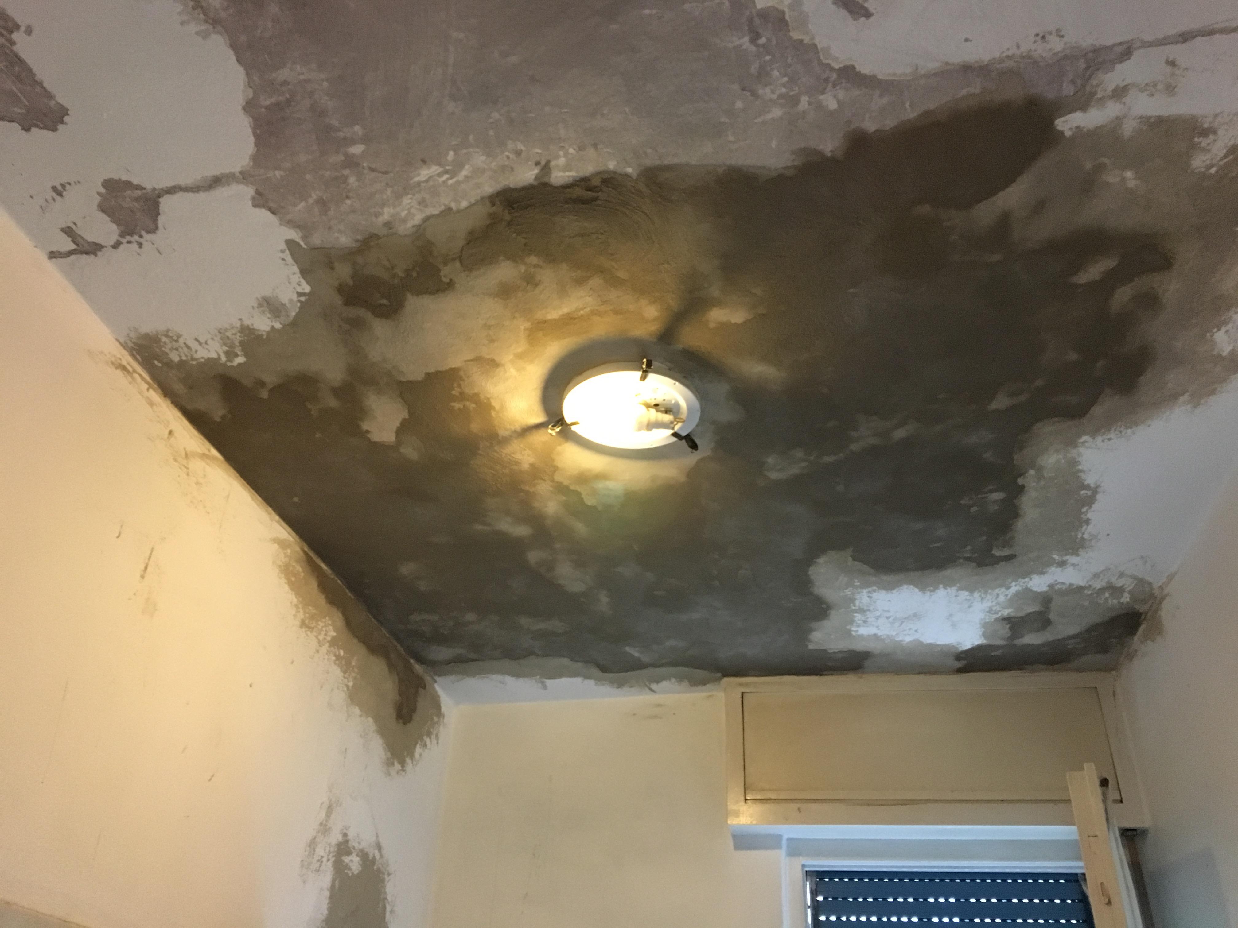 Muffa soffitto bagno - Bagno nel sottotetto ...